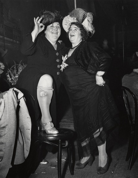 Entertainers at Sammy's-on-the-Bowery, 1944-45.